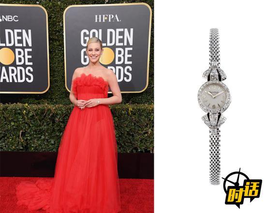 美国女演员莉莉·莱因哈特(Lili Reinhart)佩戴积家古董铂金钻石腕表