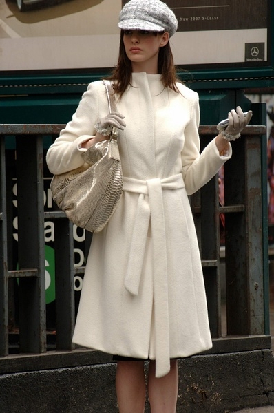 电影中安妮海瑟薇经典造型