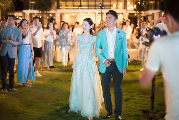 奶茶妹妹和刘强东