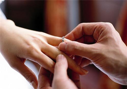灵魂系带 关于结婚钻戒背后的4个美好寓意