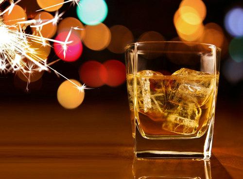 烈酒: 点燃圣诞的激情之选