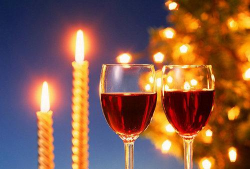 红葡萄酒:情醉圣诞的浪漫之选