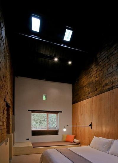 装修风格原始粗狂餐吧酒吧土坯墙设计图