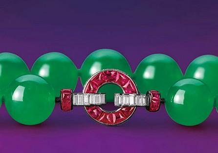 翡翠珠项链,扣头细节
