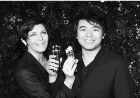 【有意思】新年香氛挚爱献礼 Amazing LangLang魅力郎朗香水上市