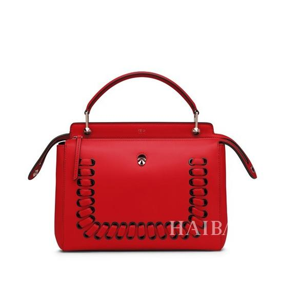 Fendi的红色包包