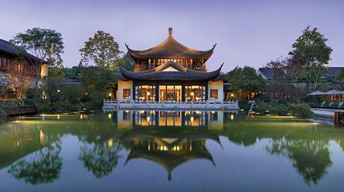 杭州西子湖四季酒店首次获得福布斯旅游指南五星级