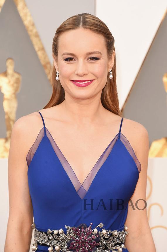 布丽·拉尔森 (Brie Larson) 亮相第88届奥斯卡红毯