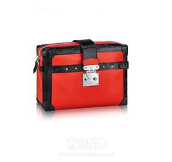 Petite Malle 行李箱手袋 红色中号的2660欧元