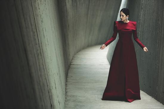国际章简直就是红裙代言人
