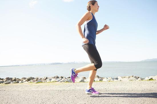让跑步更轻松的姿势