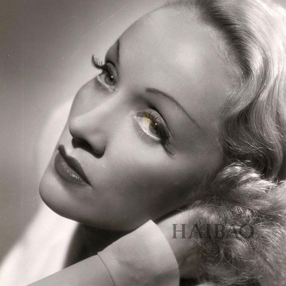 玛琳·黛德丽 (Marlene Dietrich)