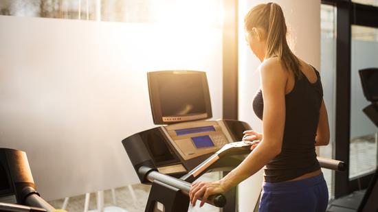 多数跑步机不能准确的显示你所消耗的热量