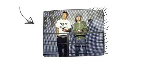 两人2015年在YO'HOOD 潮流展上的合照,2016的YO'HOOD同样是在上海举办