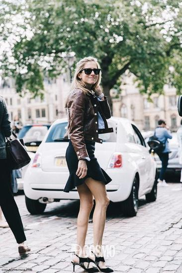 皮夹克+黑色短裙