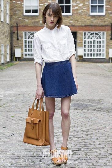 白色圆领衬衫+牛仔短裙