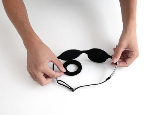 眼罩和枕头
