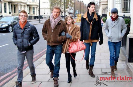 科洛和她的四个帅哥哥