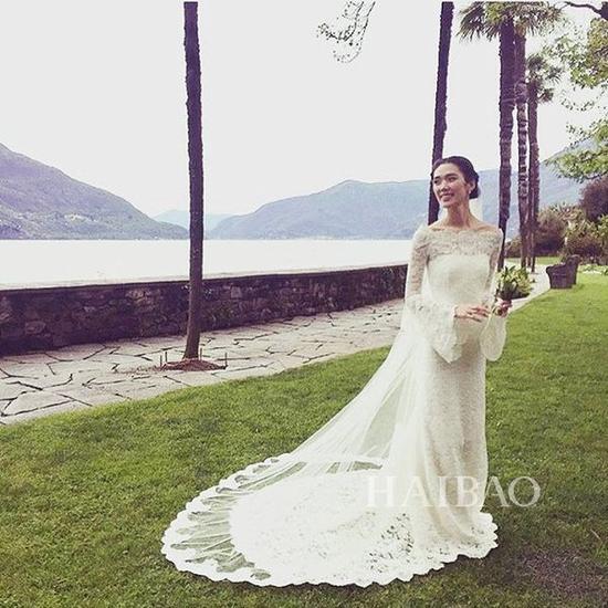 婚纱来自菲利林3.1 (3.1 Phillip Lim)