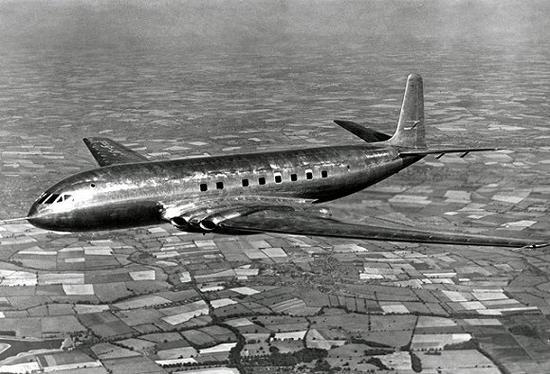 客机为了乘客的舒适会给机舱加压
