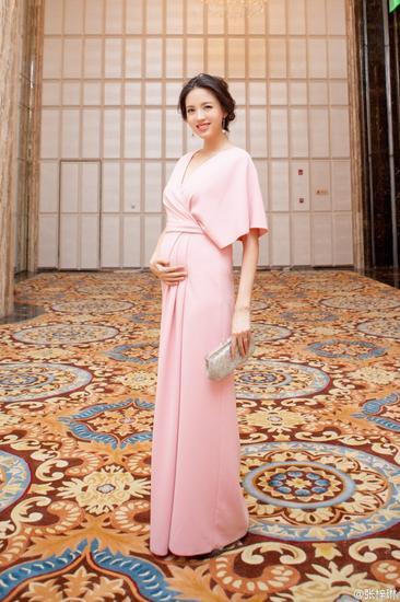 张梓琳怀孕依旧美上天