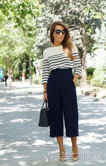 条纹衫+阔腿裤搭配