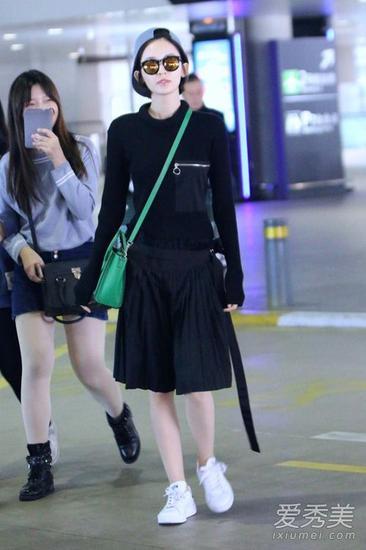 黑色半身裙搭配
