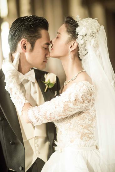 【新珠宝】袁弘张歆艺童话婚礼 珠宝变换演绎中西结合