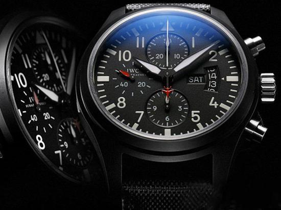 万国SPITFIRE DOUBLE CHRONOGRAPH喷火战机追针计时腕表系列IW378901腕表