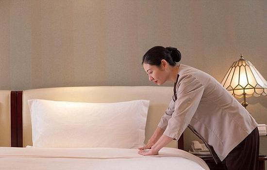 酒店员工们在匿名社交应用Whisper上还真是无所不谈。图片来源:Alamy Stock Photo