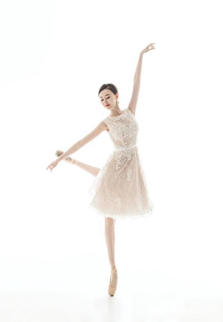 范志毅娇妻张梦瑾曾是芭蕾舞演员