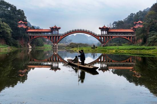 中国乐山-照片版权归Steve-McCurry与江诗丹顿所有-(2)