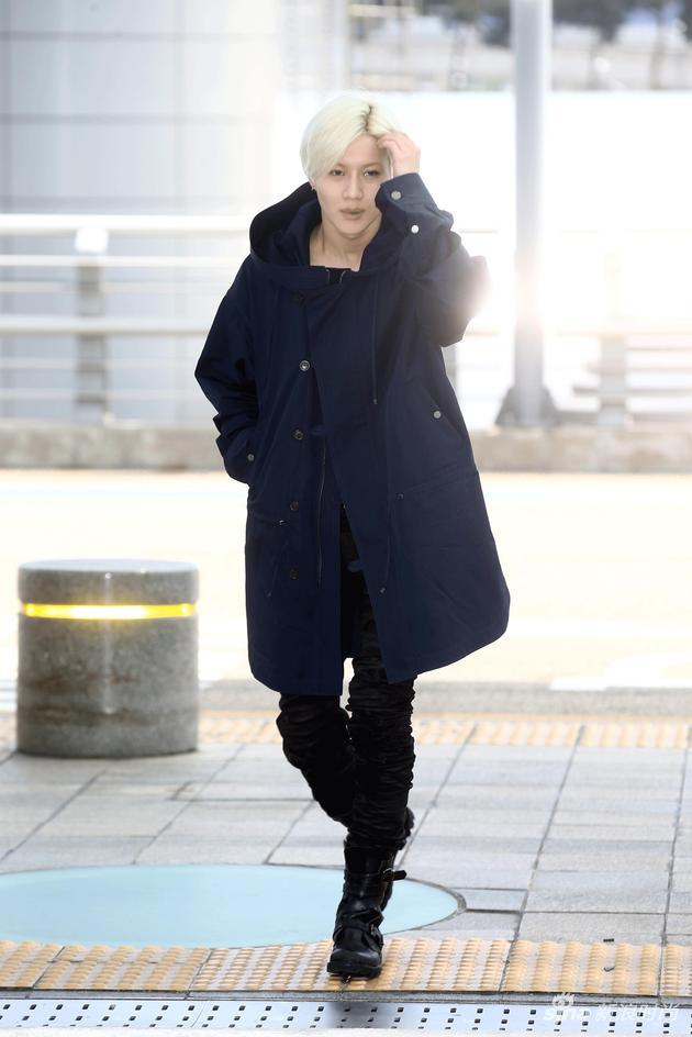 【淘宝贝】DIESEL BLACK GOLD 2017春夏男装大秀 瞩目待启