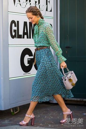 女明星穿雪纺裙街拍