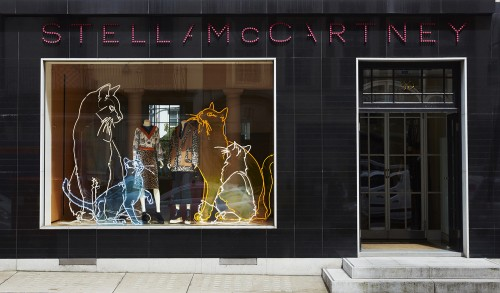 Stella McCartney萌趣猫咪橱窗装置