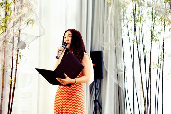 著名歌手程琳朗诵北岛的诗《很多年》