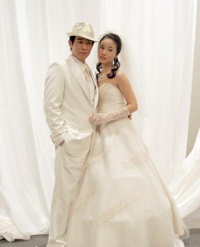 2006年在电视剧《星光大道》中嫁陈小春