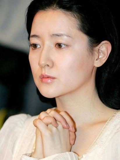 05年活动中亮相的李英爱