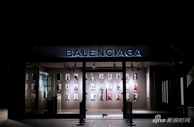 BALENCIAGA《TRANSLATION》摄影展