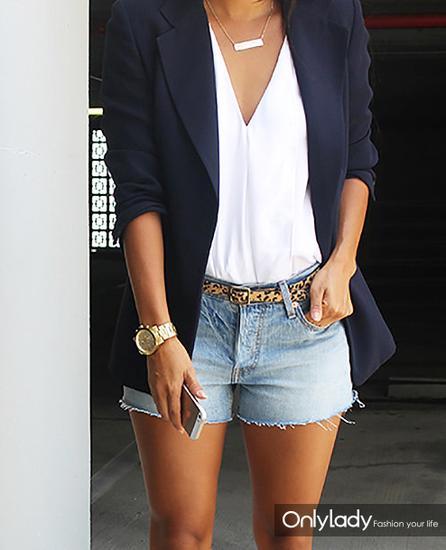 黑色西装+牛仔短裤