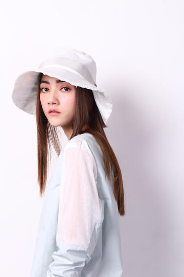 initial宽沿帽(人民币790元)