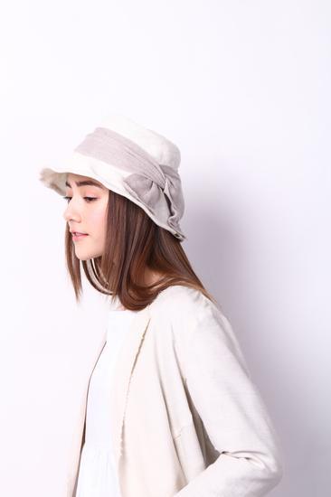 initial渔夫帽 (人民币890元)