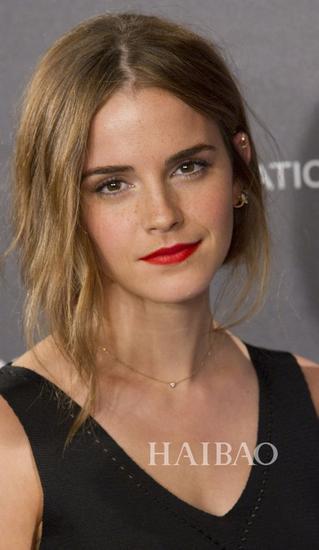 艾玛·沃特森 (Emma Watson) 示范长发变短发