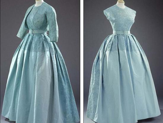 在1960年妹妹玛格丽特公主(Princess-Margaret)上