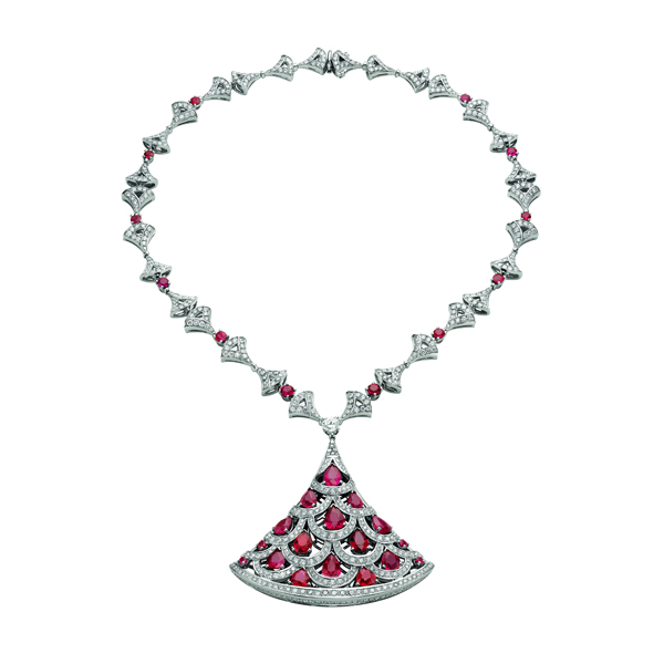 宝格丽华彩之源高级珠宝系列Divas' Dream白金镶红宝石钻石项链