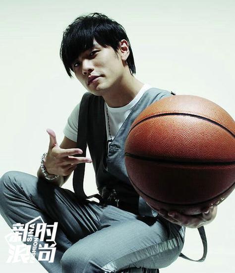 周杰伦酷爱打篮球大家都知道