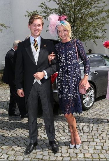Lilly公主和他的儿子 (好帅呀~)