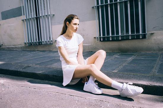 小白鞋霸屏时代