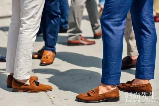 裤脚部分按自己喜欢的长度折起就行,西装或材质比较垂顺的便裤都行