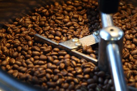 刚烘焙好的咖啡才最香